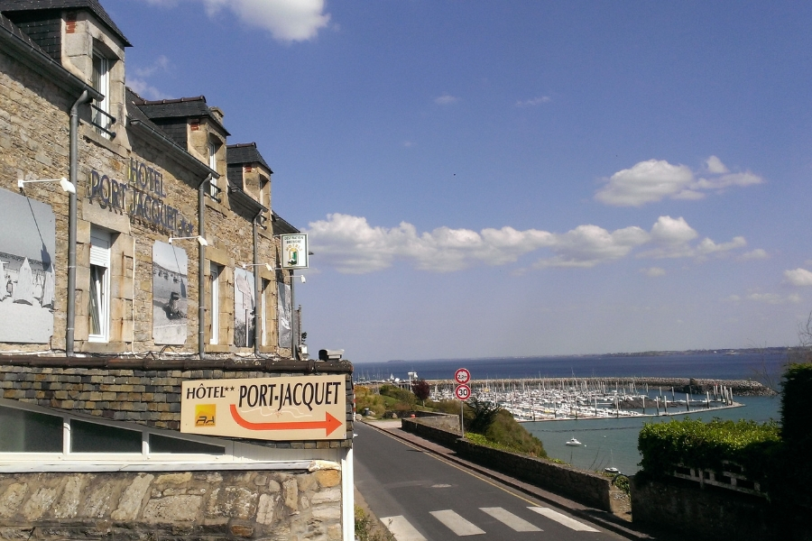 hotel port jacquet saint cast le guildo