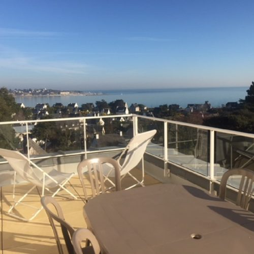 Appartement-de-Mme-De-la-Tour-terrasse-St-Cast-le-Guidlo