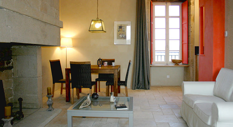 AppartementLeLogis.Salon.2Pax.Corseul-MmeDUPUY