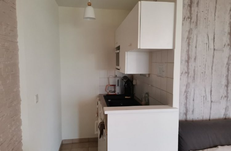 Meuble-Mme-Le-Blay-kitchenette-St-Jacut