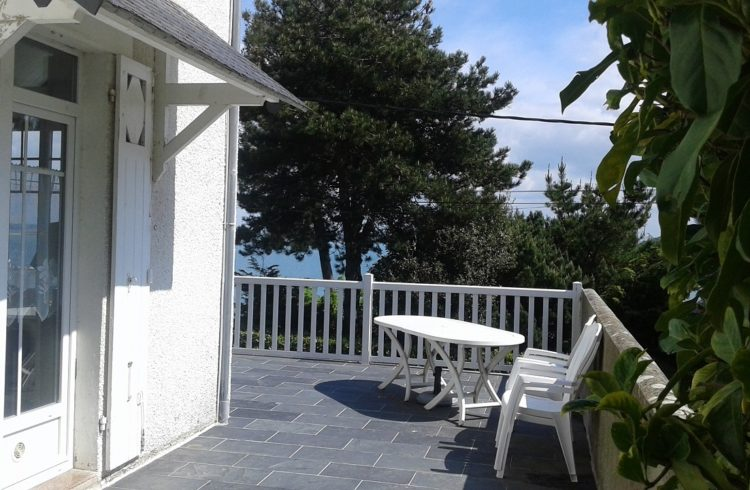 Meuble-Villa-Aigue-Marine-terrasse-St-Cast