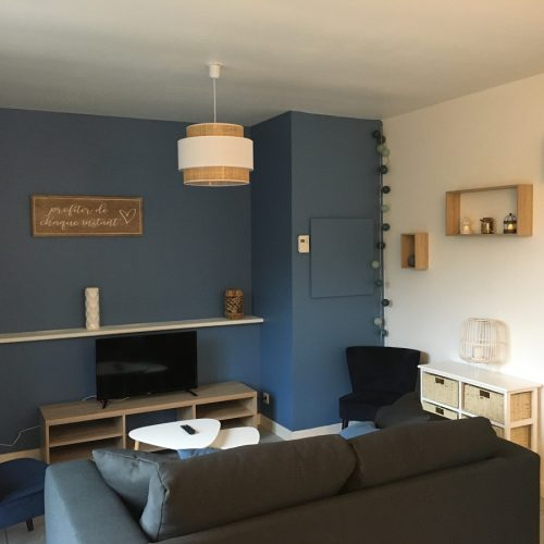 appartement-la-vallee-salon-camping-beausejour