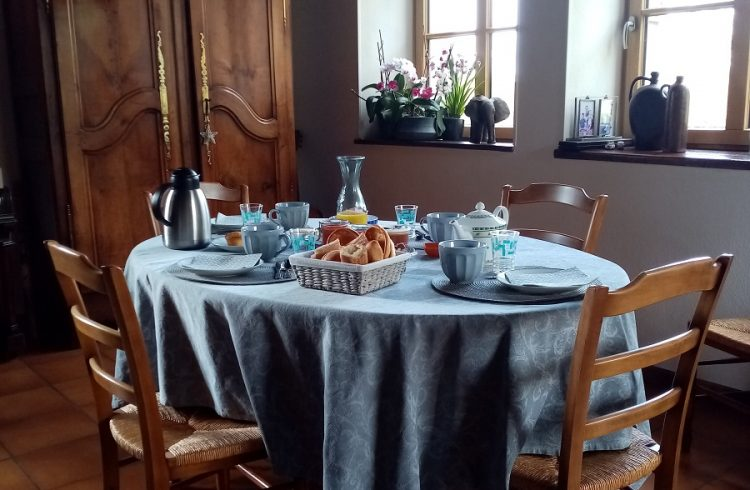 chambres-mary-petit-dejeuner-dcft.–1-