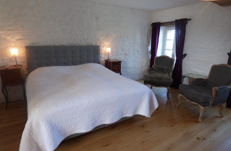 hotel-lemanoirstmichel-chambre9-11-20